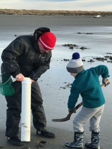 Washington coast clam digging (7)