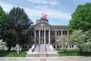 limestone-county-courthouse-attraction