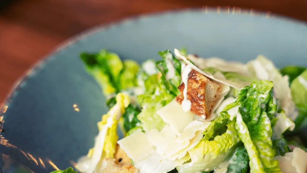 Easy Romaine Green Salad with Caesar Dressing Recipe