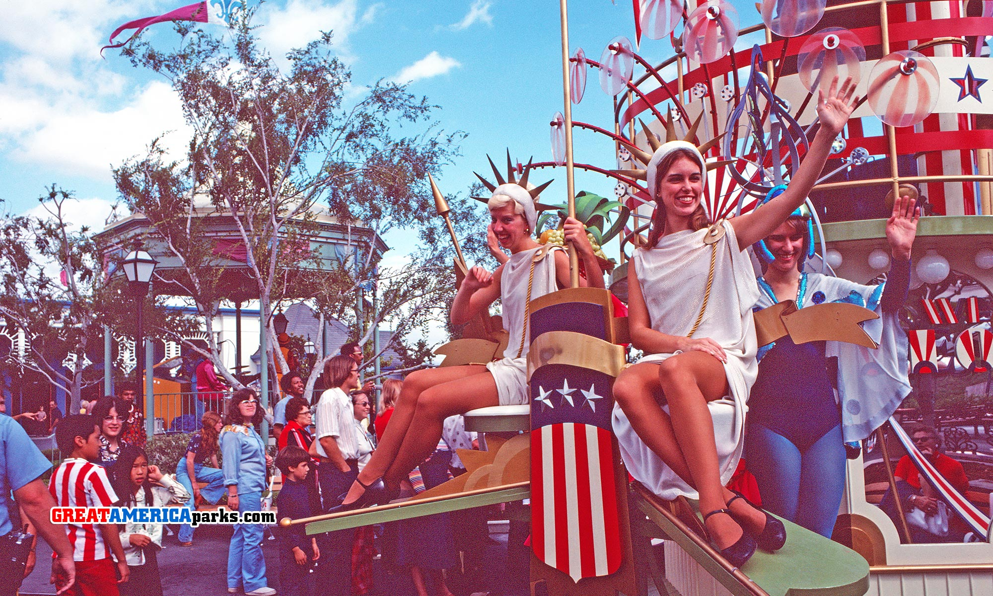 Merry Mardi Gras Parade, Spirit of America in Orleans Place
