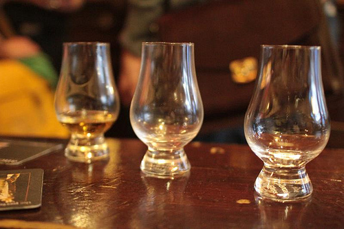 hosting the perfect whisky tasting experience