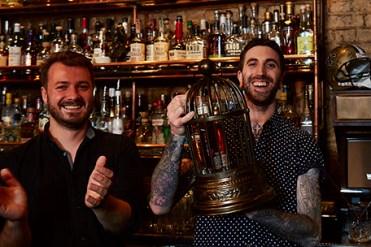 150812_WildTurkey_winner Dan Bovey with brand ambassador Martin Taylor_1384