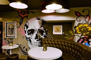 Graphic Gin Bar
