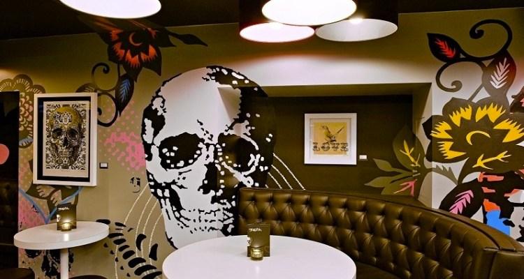 Graphic Gin Bar
