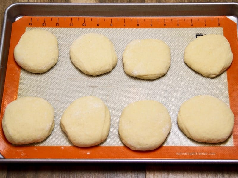 Hamburger Buns rising
