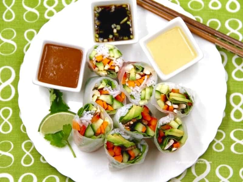 veggie spring rolls cut plated