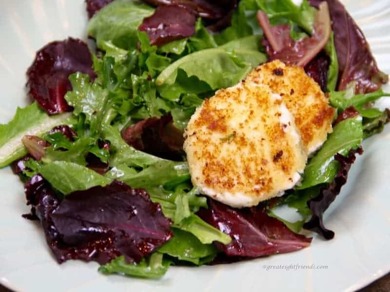 salad with warm goat cheese