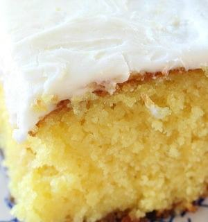 Delicious Lemon Poke Cake