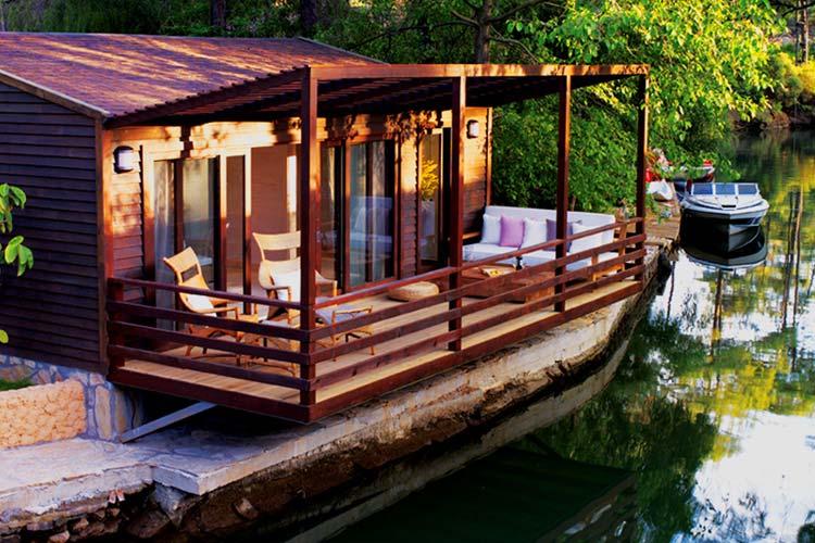 Peque os hoteles con encanto en europa escenarq architects - Pequenos jardines con encanto ...