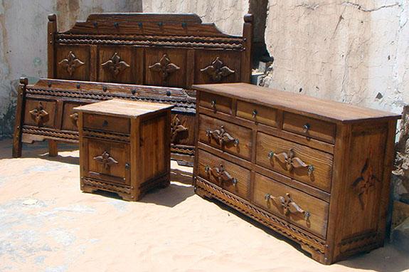 Weathered Wood Bedroom Set In Golden Oak