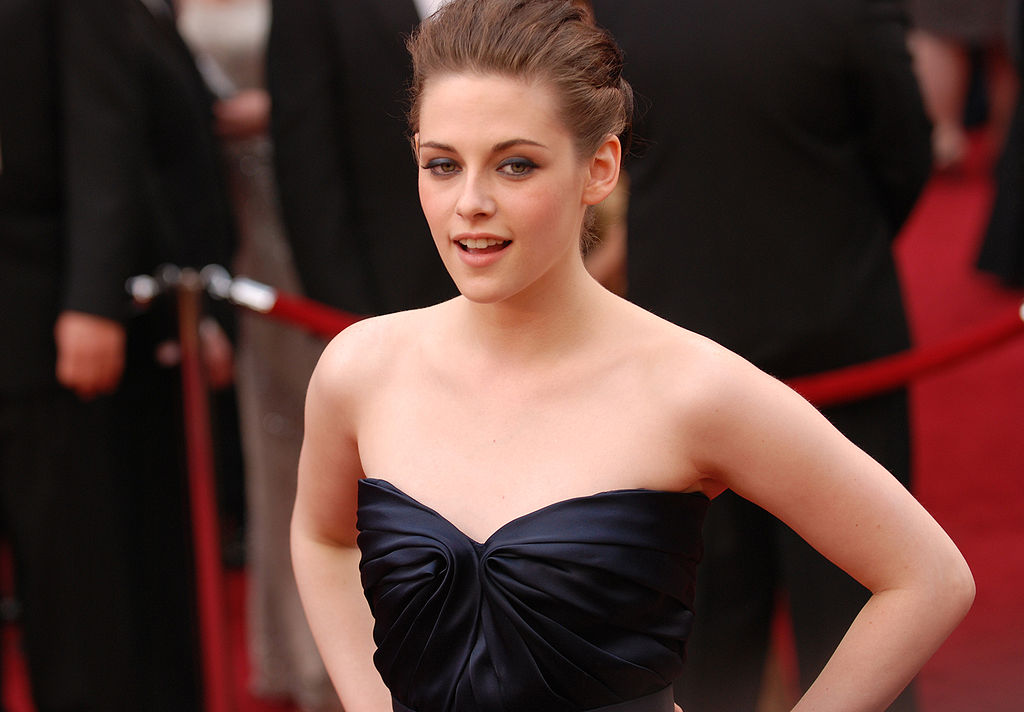 Kristen Stewart top 10 beautiful actresses in the world