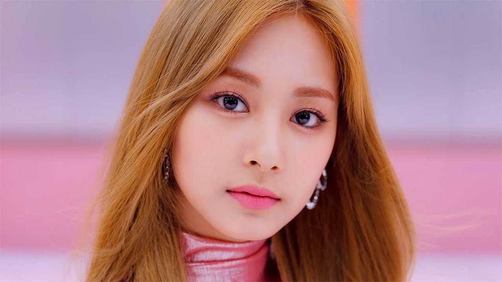 Tzuyu (TWICE) Most beautiful kpop idols 2021