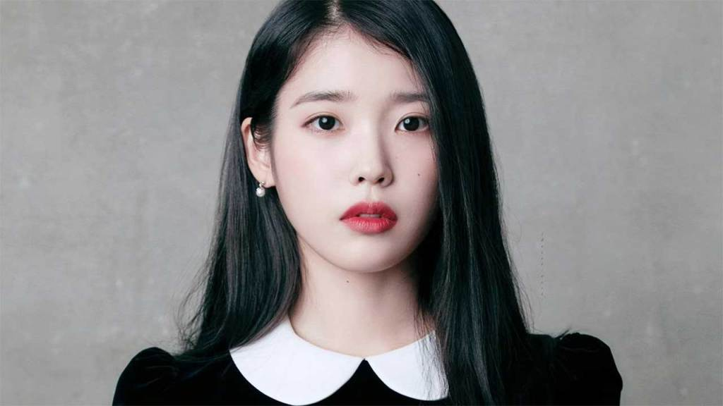 IU (SOLOIST) most beautiful female kpop idols 2021