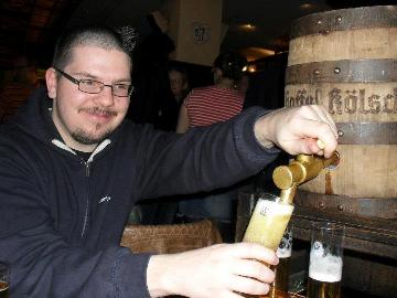 Barrie Smith pouring Gaffel Kölsch from his barrel