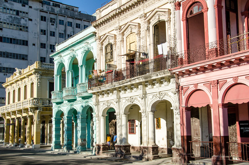 la habana vieja, colorful buildings, cuba, havana