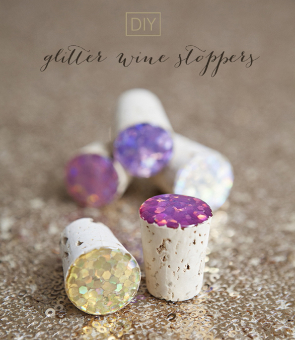 SomethingTurquoise_DIY_glitter_wine_stoppers_favors_gifts_0001