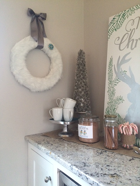 faux fur wreath_on wall far