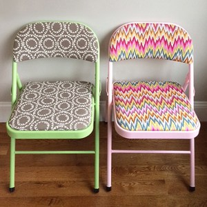 refinishing folding chairs (to be super chic)