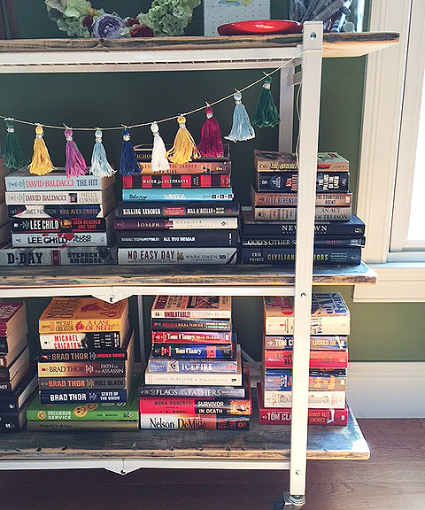 bookshelf detail 2