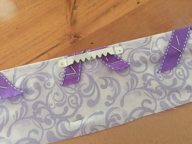 ribbon board_hanger