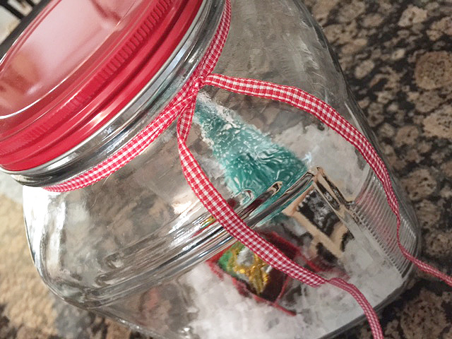 winter-scene_red-ribbon