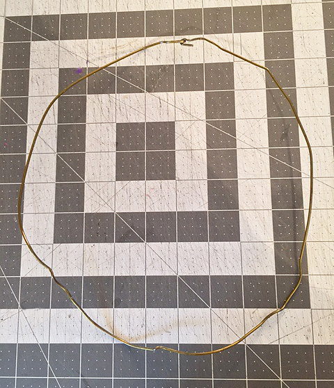 wire-eucalyptus-wreath_form-done
