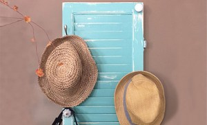DIY hat rack from an old shutter