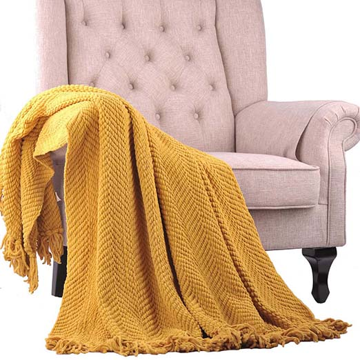 one of my favorite cozy throw blankets for fall from Overstock.com