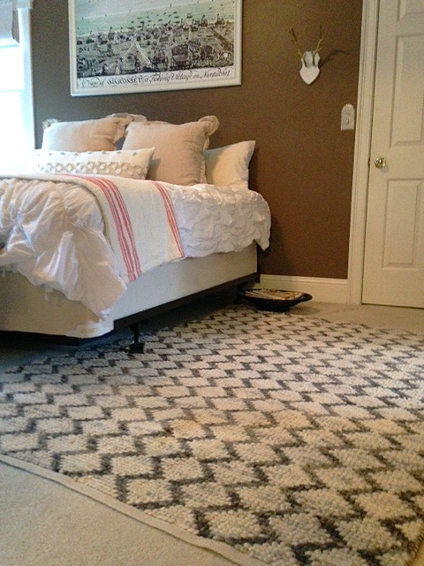 One Room Challenge - bedroom makeover with a textured rug