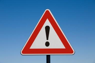 attenzione pericolo allerta 117836073 | GrecTech
