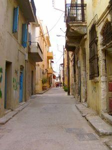 crete-narrow-street