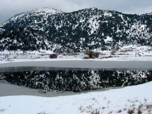 snow-covered-mountains-crete