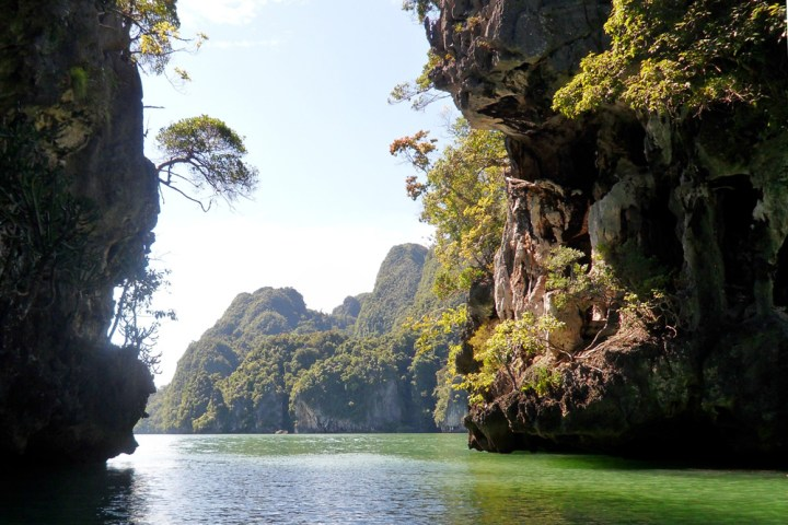 Phang Nga bay Karst limetsone cliffs