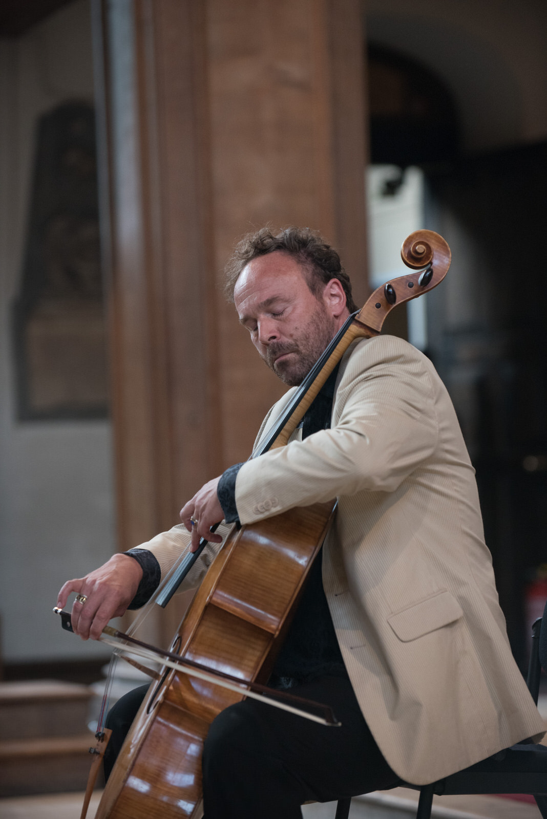 Cellist Michael Fitzpatrick treats the audience with his beautiful and reflective pieces