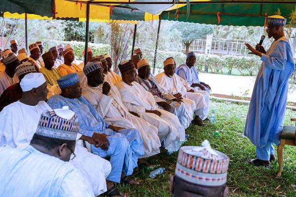 President Buhari with select group of Elders, Politicians and Youth in Daura Katsina on 4th Sept 2017