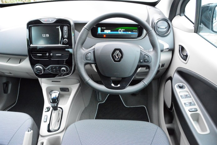 Renault Zoe Review Greencarguide Co Uk