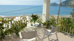 san-george-front-studio-terrace-sea-view-resized