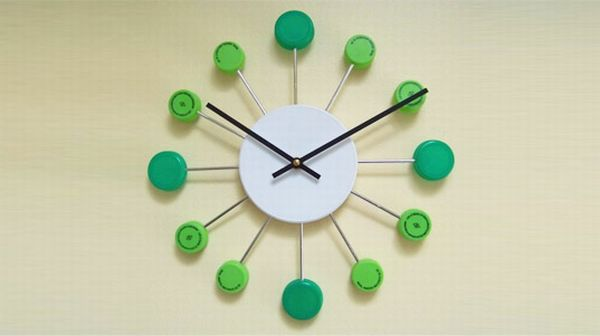 10 Creative wall clocks made using recycled materials Green