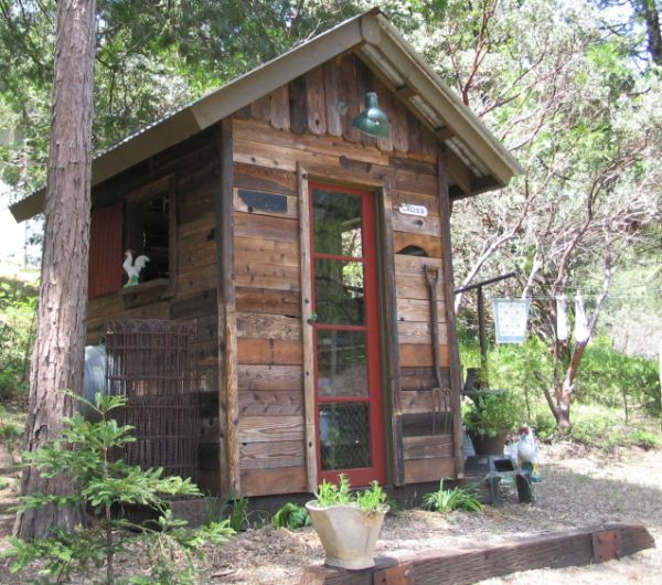 Shed from recycled wood