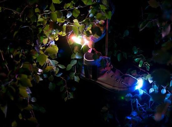 solar led shoes 2