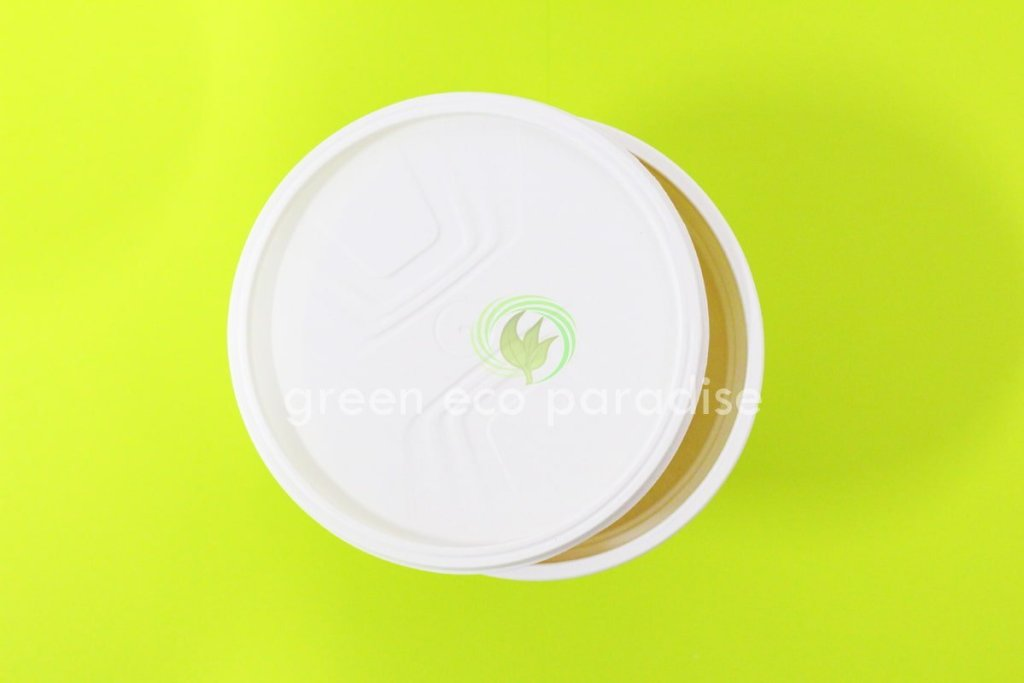 Biodegradable bowl with lid that is made from cornstarch