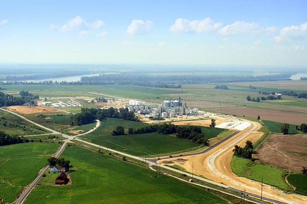 Image: an Indiana-based biogas plant (Abengoa)