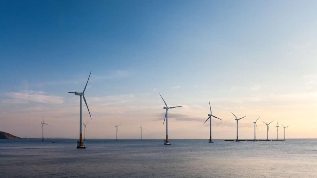 Offshore wind farm (Chuyuss   Shutterstock)