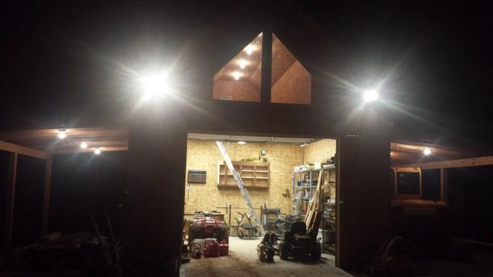 Custom Built Garage (14)