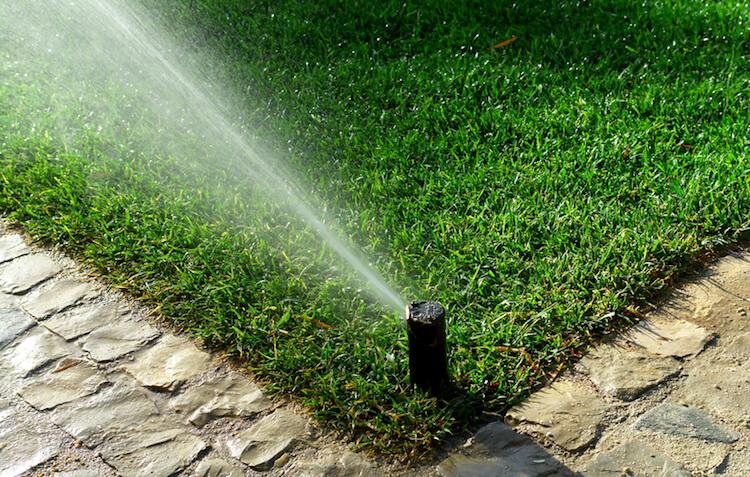 Gartenbewässerungssystem | © panthermedia.net / CarlosNeto