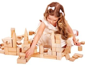 Holzspielzeug/Bauklötze