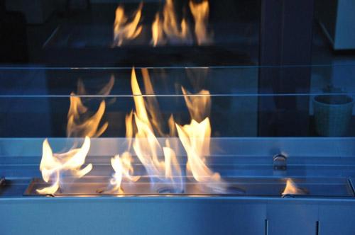 Auch Im Garten, Auf Dem Balkon Oder Der Terrasse Erzeugen Solche Ethanol Säulen  Ein Stilvolles Ambiente Durch Echte Flammen. Wie Die Designobjekte Von ...