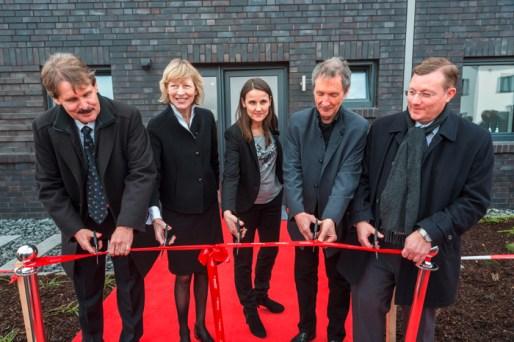 Viebrockhaus-IBA_Eröffnung-erstes-KfW-40-Plus-Haus-in-Hamburg-(1)-(2)