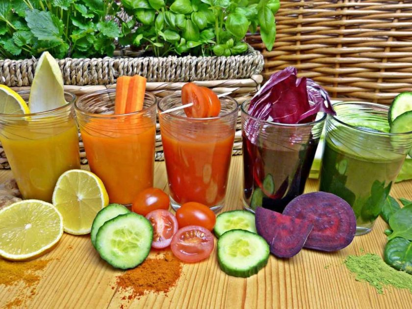 Bridal shower smoothie bar is great for shower lunch