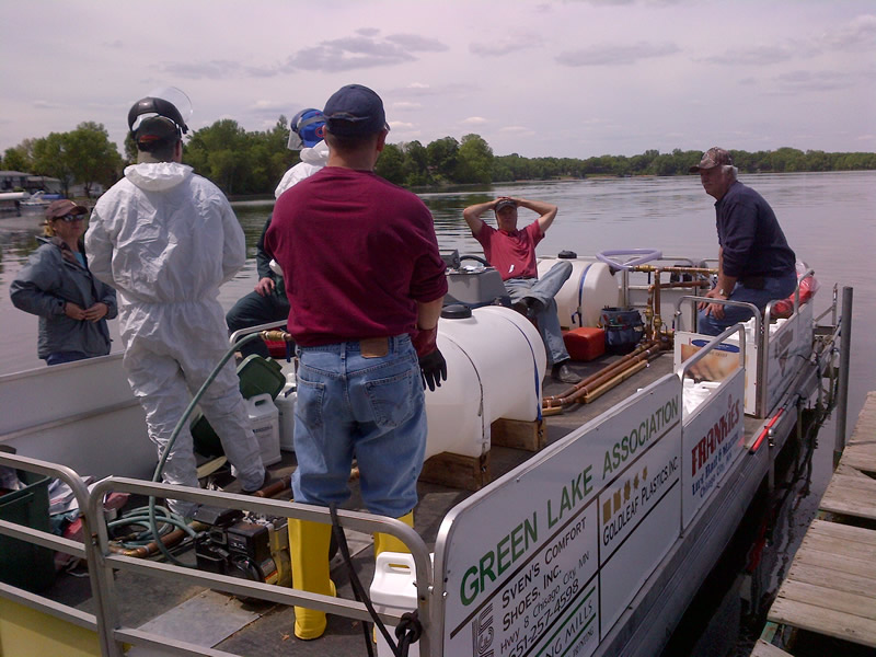 2013 Spraying for Curlyleaf Pondweed